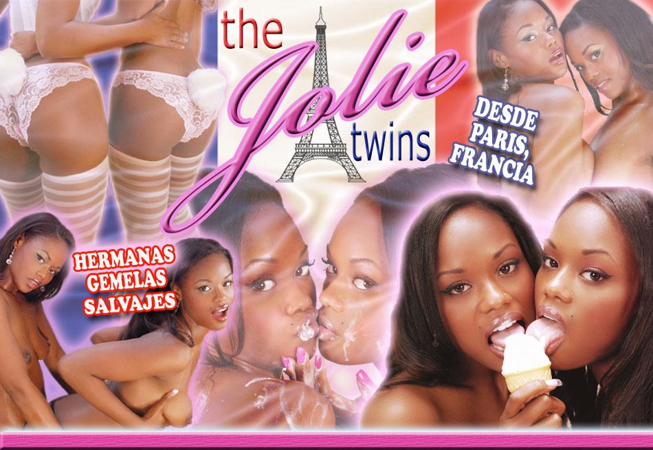 nude twin sisters