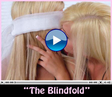 twin sisters wrestle
